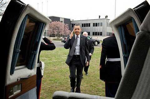 باراك اوباما برفقة الايباد 2
