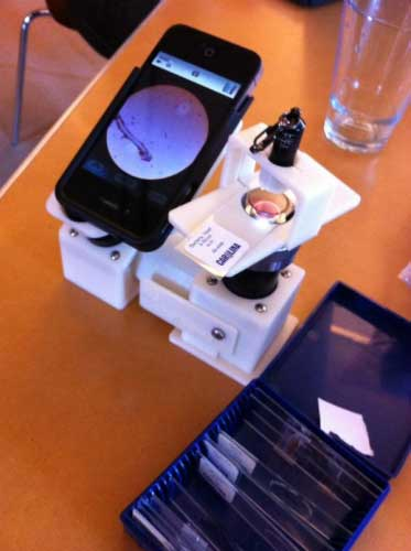 مشروع استخدام جهاز الأيفون 4 بمثابة ميكروسكوب