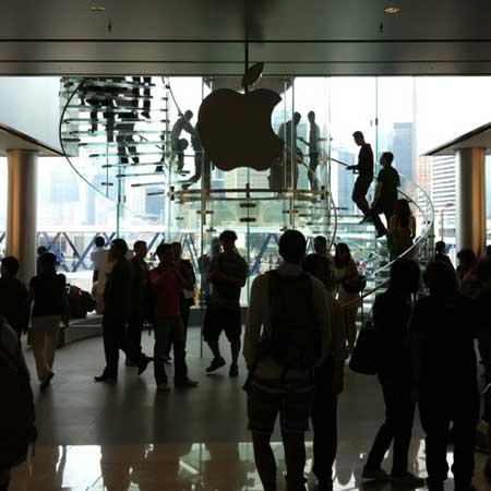 اطفاء ضوء التفاحة في متجر ابل بهونج كونج