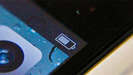 يبدو ان تحديث نظام iOS 5 لم يحل مشكلة البطارية