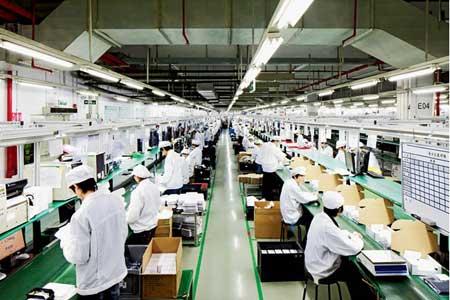 لماذا يتم تصنيع جهاز الايفون في الصين بالذات ؟