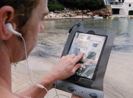 غلاف جديد لجهاز الايباد يحميه من الماء