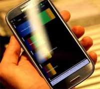 التحكم الصوتي المبتكر لسامسونج شبيه خدمة سيري للايفون