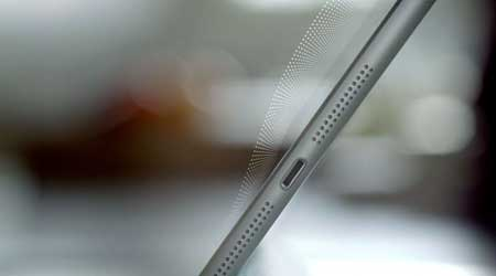 جهاز ميني ايباد مزود بمكبرات للصوت ستيريو