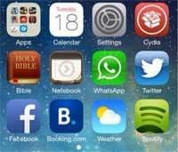 "Photo of هكذا يبدو الايفون 5 العامل بجيلبريك من iOS 7 نسخة ""بيتا 2"""