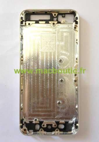 الآيفون القادم iPhone 5S سيأتي باللون الذهبيالآيفون القادم iPhone 5S سيأتي باللون الذهبي