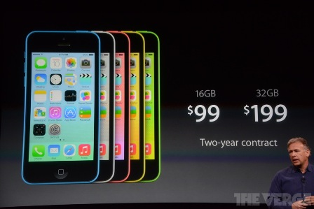 أسعار هاتف iPhone 5C في الولايات المتحدة مع عقد لمدة سنتين .