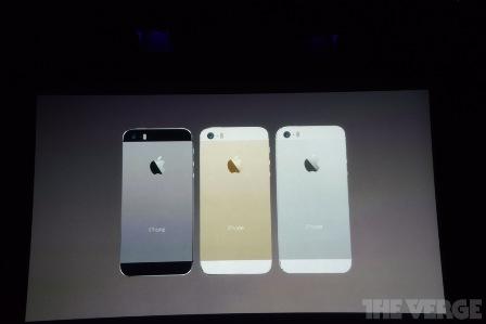 هاتف iPhone 5S بألوانه الثلاثة