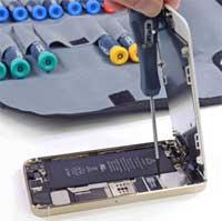 ابل تؤكد وجود مشاكل في بطارية بعض اجهزة ايفون 5 اس بسبب مشاكل في تصنيعه