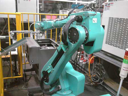 روبوتات لتجميع أجهزة آبل