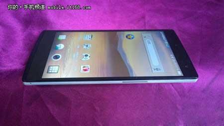 هاتف أندرويد Oppo Find 7 ذو 50 ميجابيكسل