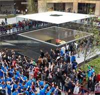 Photo of صور وفيديو لافتتاح أول متجر لآبل في تركيا