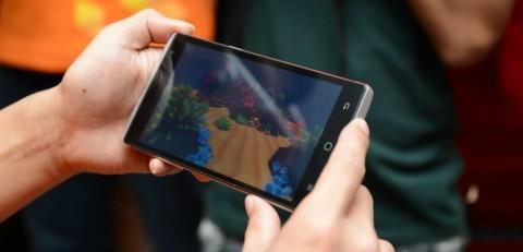 """هاتف Takee 1 بتقنية التصوير المجسم """"الهولوجرام"""" ، الواقع أصبح حقيقة !"""