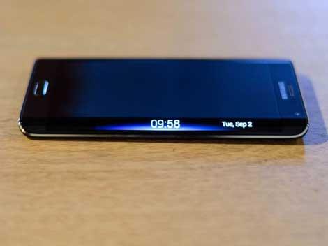 جهاز جالاكسي S6 قد يحمل شاشة منحنية