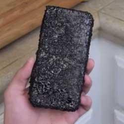 فيديو: إياك أن تضع جهازك الأيفون 6 في مشروب كوكاكولا الساخن !