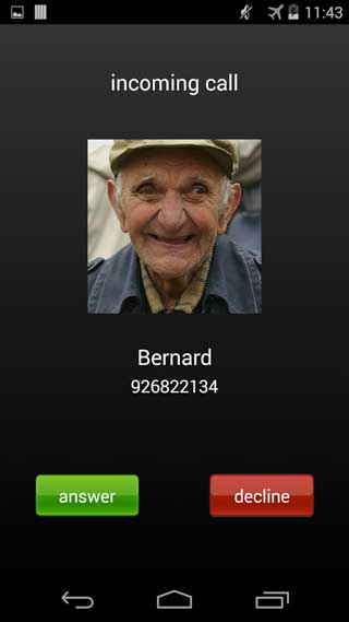 تطبيق Fake Call للحصول على مكالمات وهمية والخروج من مواقف محرجة