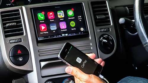 اجهزة تضيف ميزة Carplay لسيارتك وتدعم الأيفون