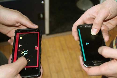 لعبة DUAL الجماعية، يمكنك تحدي أصحابك واللعب بجهازين