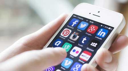 Photo of شاركنا برأيك – هل الهواتف الذكية تفسد العلاقات الاجتماعية ؟
