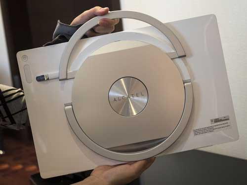 صور: لوحي Alcatel Xess أضخم جهاز لوحي متوفر بالاندرويد