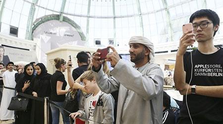 Photo of بالصور – الافتتاح الرسمي لأول متاجر آبل العربية في دبي و أبو ظبي !
