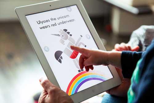 دراسة: هل الهواتف الذكية واللوحيات تسبب مرض التوحد للأطفال؟