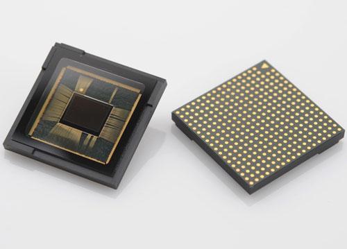 هل يوجد فرق بين دقة الصور بين نسخ جهاز جالاكسي S7 ؟