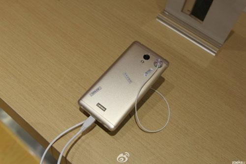 هاتف Lenovo Vibe P2