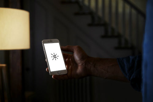 دراسة - الهواتف الذكية تمنعك من الحصول على نوم صحي هادئ