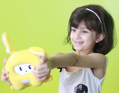 عرض خاص - لوجي : دمية ذكية تتحدث العربية لتعليم أولادك و التفاعل معهم !