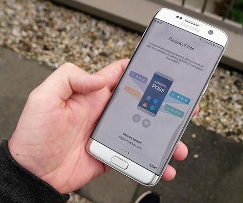ميزة Samsung Pass