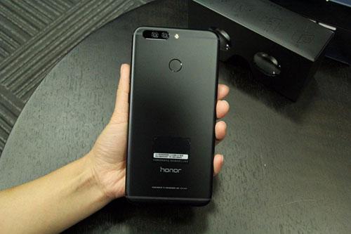 تسريب أول صورة لهاتف Honor Note 9 - ذو شاشة كبيرة
