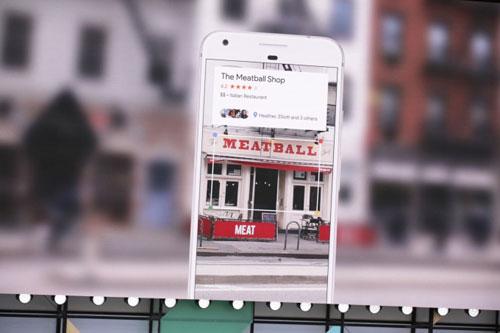 جوجل تكشف عن خدمة Google Lens لقراءة الصور !
