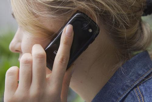 Jelly : أصغر هاتف ذكي بنظام أندرويد 7 نوجا !