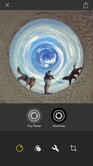 تطبيق Living Planet لتحويل صورك إلى كوكب جميل