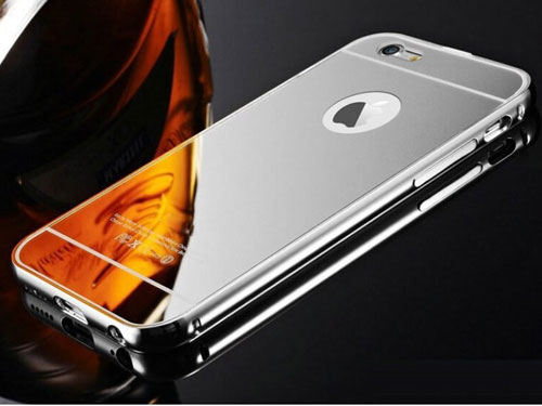 الايفون 8 باللون الفضي ذو خلفية لامعة كالمرآة