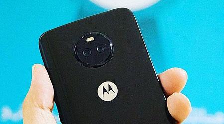 صورة موزع رسمي يكشف عن صورة تؤكد تصميم جهاز Moto X4
