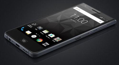 رصد صورة وتفاصيل هاتف BlackBerry Motion مع شاشة كاملة !