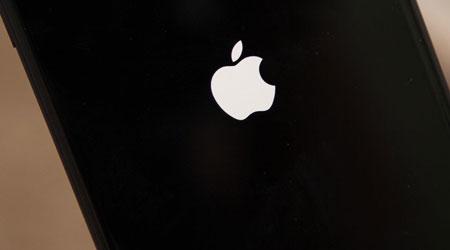صورة تلميحة – كيفية إعادة تشغيل أجهزة الأيفون 8 و 8 بلس ؟