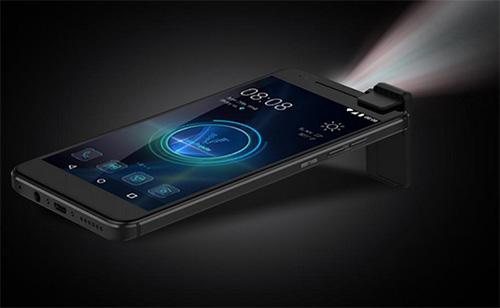 """هاتف Moviphone : هاتف ذكي مدمج به جهاز عرض """"بروجكتور"""" !"""