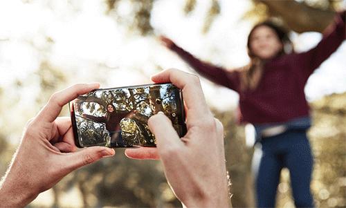 تقنية التثبيت البصري OIS في كاميرا جالكسي إس 9 و إس 9 بلس تعمل على إزالة التشويش و الاهتزاز