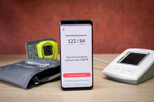قياس ضغط الدم بواسطة جالاكسي S9