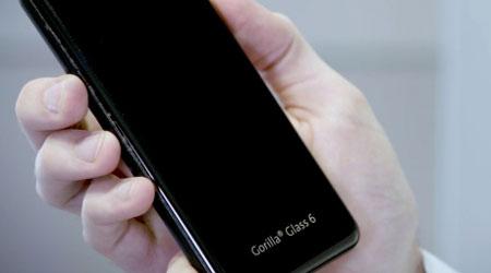 Photo of تعرف على زجاج Gorilla Glass 6 – زجاج الحماية الجديد للهواتف الذكية!