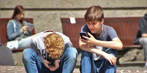دراسة تربط استخدام التطبيقات الاجتماعية بمرض نقص الانتباه!