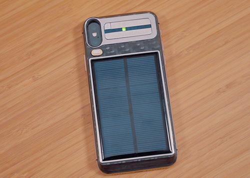 آيفون X يعمل بالطاقة الشمسية وبسعر 4400 دولار أمريكي!