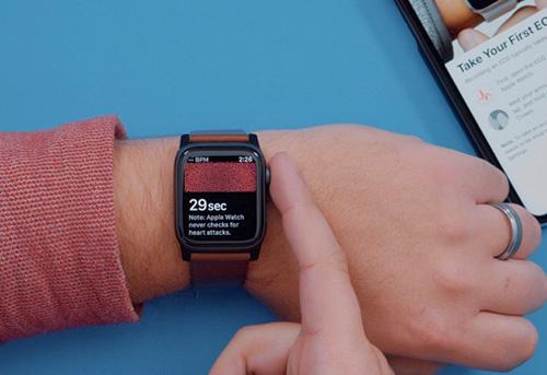 خاصية رسم القلب ECG في ساعة آبل Apple Watch Series 4 !