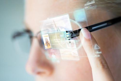 نظارات آبل الذكية قد ترى النور العام المقبل ضمن ملحقات الآيفون!