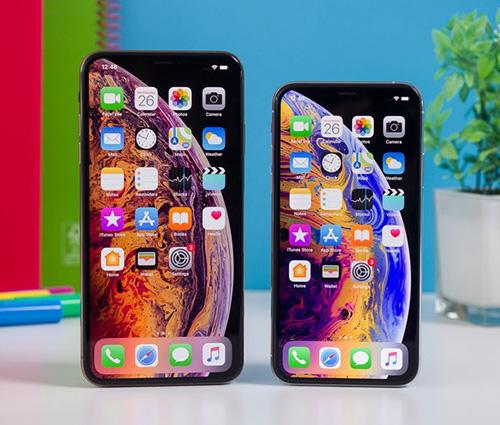 هاتفا iPhone XS و XS Max يعملان بشاشات OLED