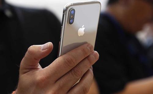 آبل تبدأ في تصنيع آيفون X في الهند - فهل تنخفض أسعاره؟!