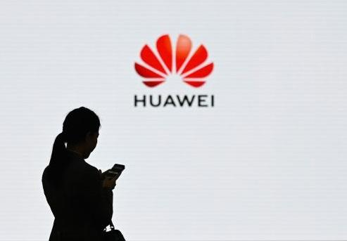 هل ينتهي عصر هواوي في سوق الهواتف الذكية بعد قرارات الحظر والمقاطعة؟